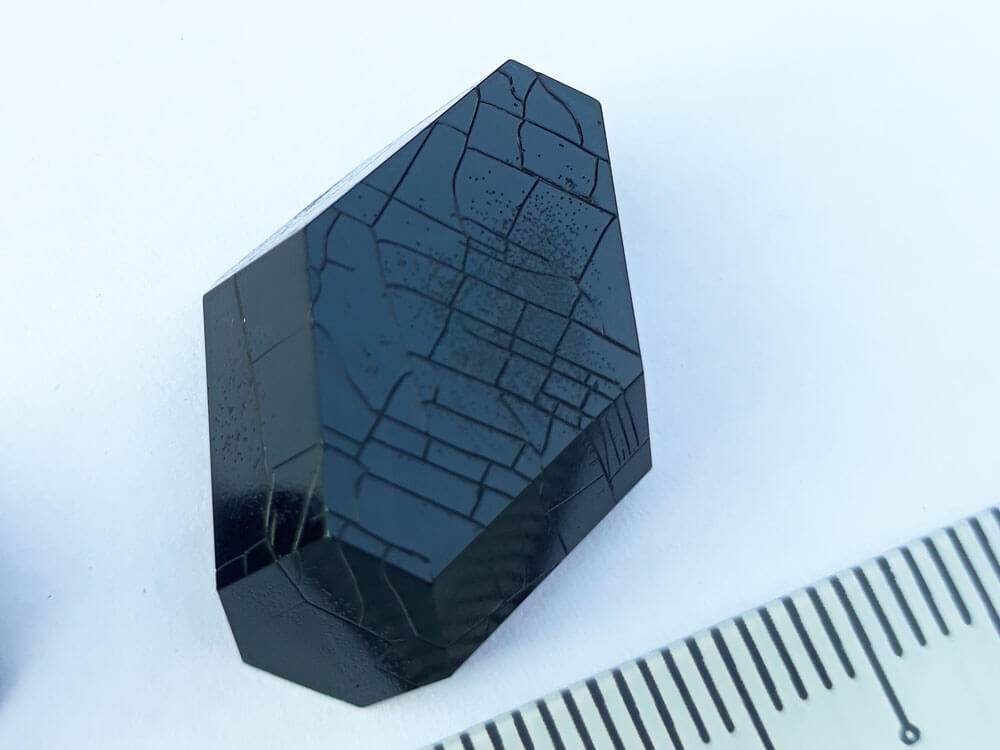 A close-up of the biggest copper acetate crystal.